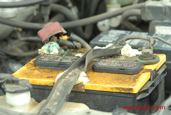 What Cuses Car Battery Corrosion