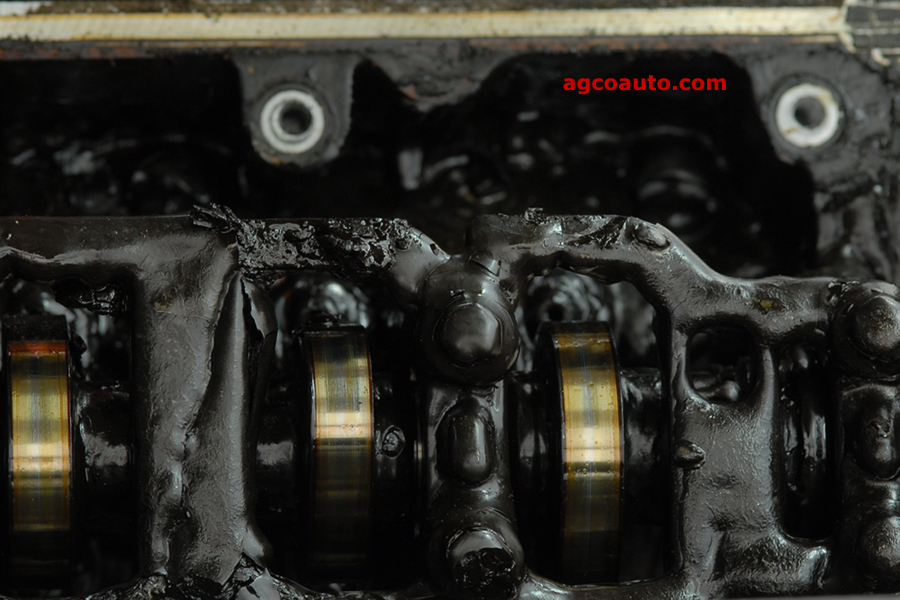 Oil sludge in cylinder head from extended oil changes