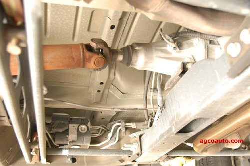 Driveshaft slip yoke in rear of transmission